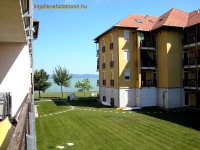 A Hullám Üdülőparkban fiatalos vízparti apartman max. 6 főnek