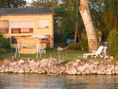 Nette Hälfte eines Doppelhauses für max. 5 Personen mit eigenem Strand