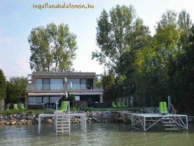 Eine exklusive Villa mit eigenem Uferteil für max. 6 Personen
