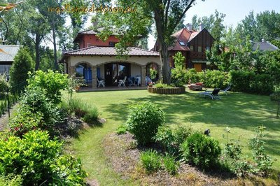 Balatonszárszó a 3-bedroom luxurious holiday estate with own beach